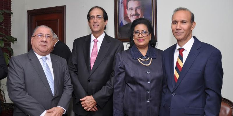 Photo of Winston Santos queda posesionado como Ministro de Trabajo
