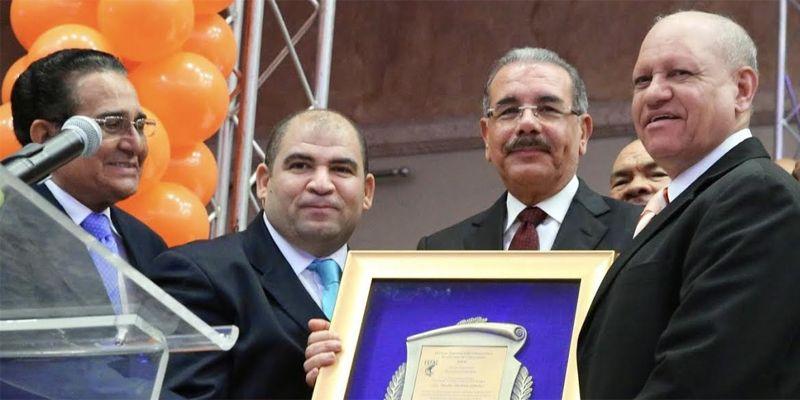 Photo of Destacan respaldo del presidente Danilo Medina al sector comercio en sus 6 años de Gobierno
