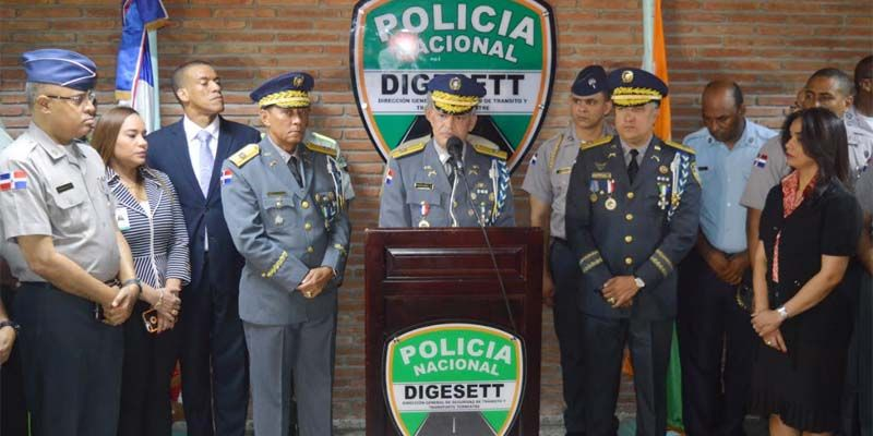 Photo of Director P.N. posesiona nuevo director de la DIGESETT