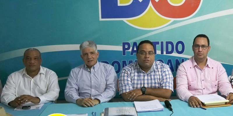 Photo of DxC pide investigar denuncia sobre retrasos entrega de uniformes escolares