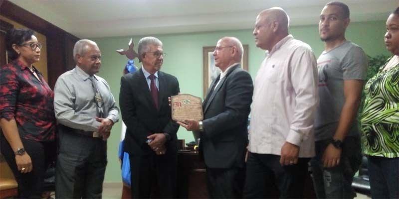 Photo of Reconocen labor del Gobernador Juan Frías