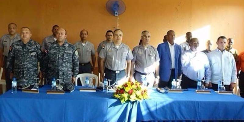 Photo of Director PN se reúne con dirigentes comunitarios de San Luis