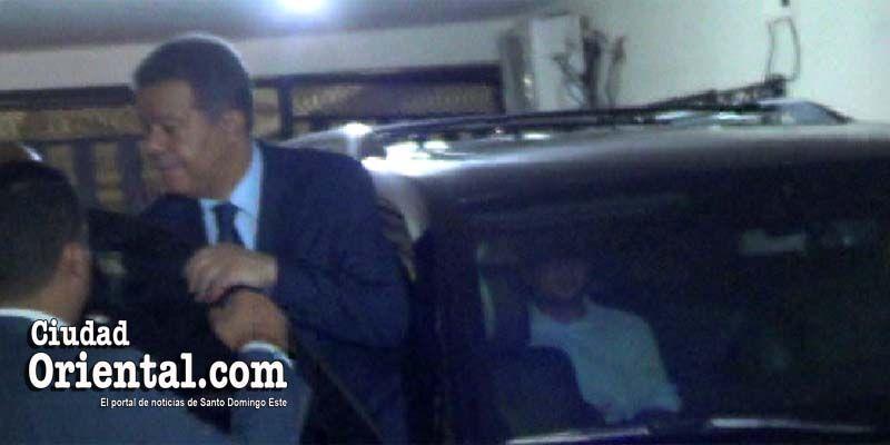 Photo of Leonel Fernández despliega ofensiva en SDE; inicia de noche en Alma Rosa I