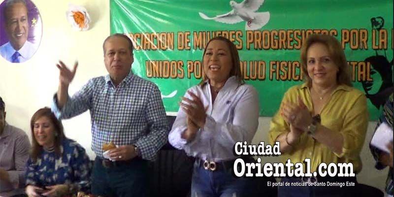 Photo of ¿Qué tienen que ver los yaniqueques, el mondongo y los amuletos con Reinaldo Pared Pérez? + Vídeos