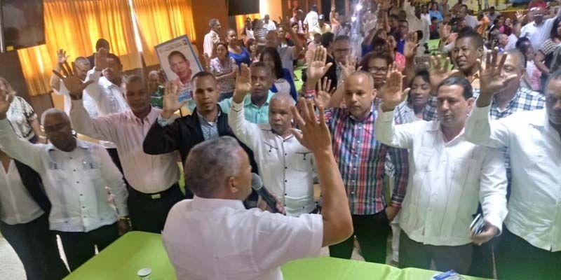 Photo of Corriente magisterial Salome Ureña presenta a Samuel Sena como candidato presidencia ADP