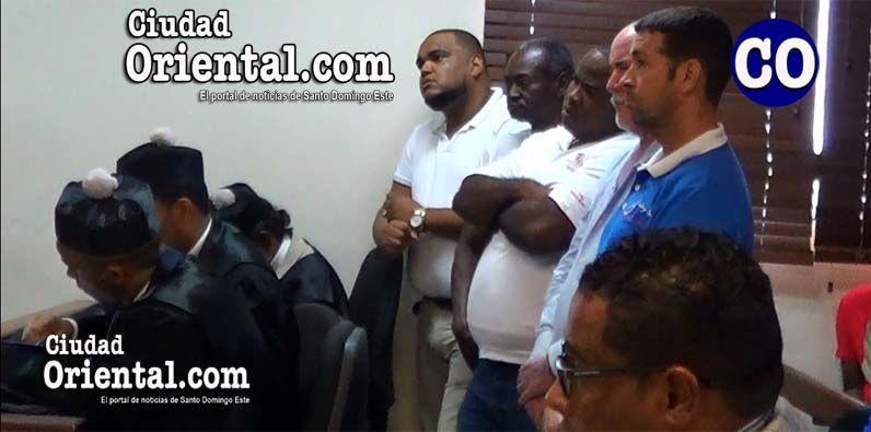Photo of Dictan absolución empleados DGA imputados en robo de cigarrillos