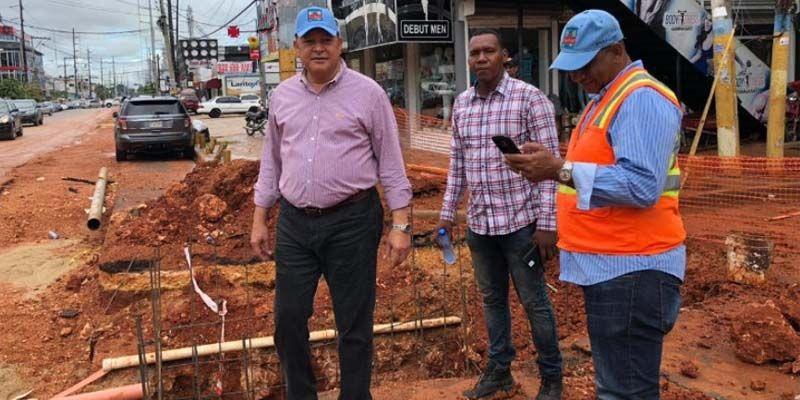 Photo of El Director de la CAASD, Alejandro Montás, miente en relación a los trabajos en la avenida Venezuela