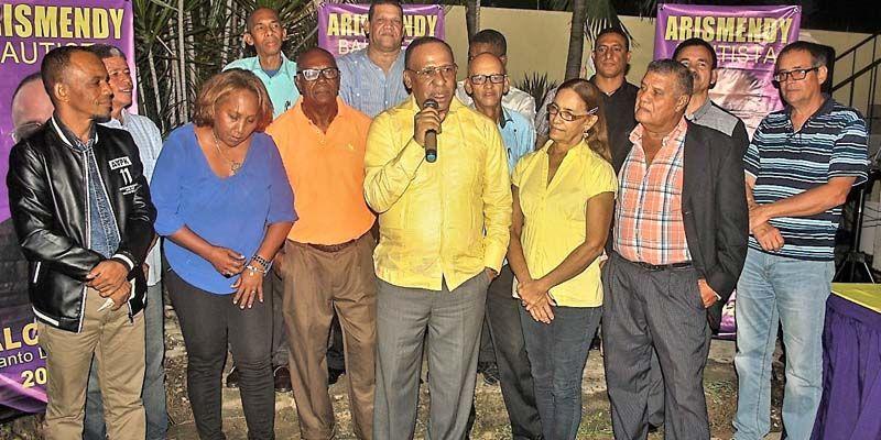 Photo of Presidentes de comités intermedio apoyan a Arismendy Bautista para Alcaldía de SDE