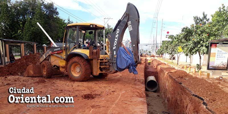 Photo of La CAASD provoca grandes pérdidas al comercio en la avenida Venezuela + Vídeo