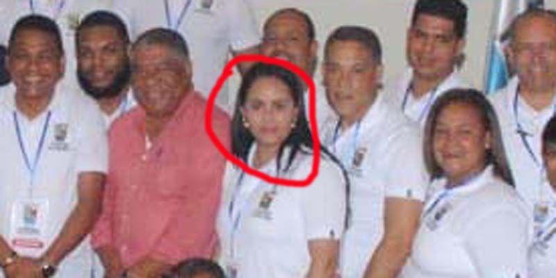 """Photo of """"Aparece"""" en el resort de Bávaro, la regidora Crismelyn Pinales, que no va a las sesiones desde agosto"""