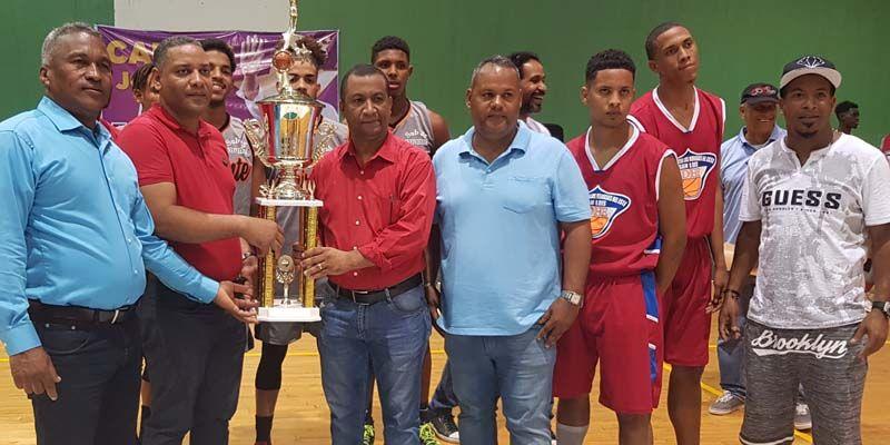 Photo of Inauguran Segundo Clásico Basket Invivienda U-25 en opción a la Copa Carlos José Gil