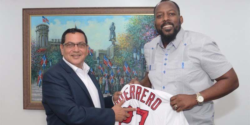 Photo of Vladimir Guerrero visita al Director de la DNCD, José E. Matos de la Cruz