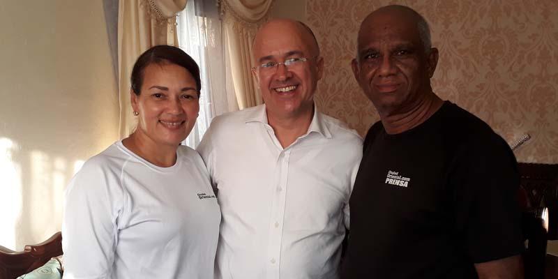 Photo of Domínguez Brito hace contactos con seguidores en SDE; visita Ciudad Oriental + Vídeo
