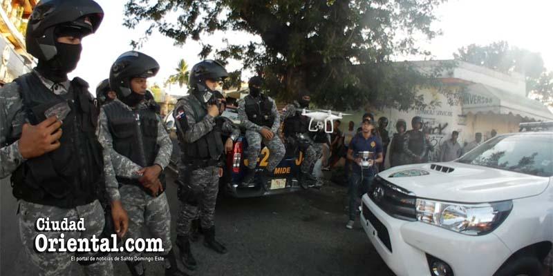 Photo of La Policía usa dron de juguete contra huelguistas del barrio Capotillo