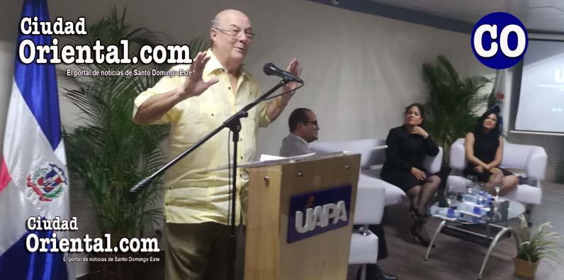 Photo of Hipólito Mejía realiza conversatorio con estudiantes y profesores de la UAPA