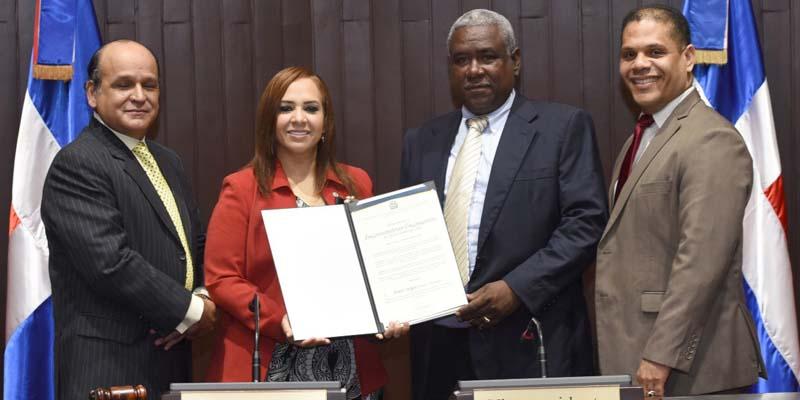 Photo of Diputada Karen Ricardo reconoce a Ciudad Oriental en la Semana Global de Emprendimiento 2018