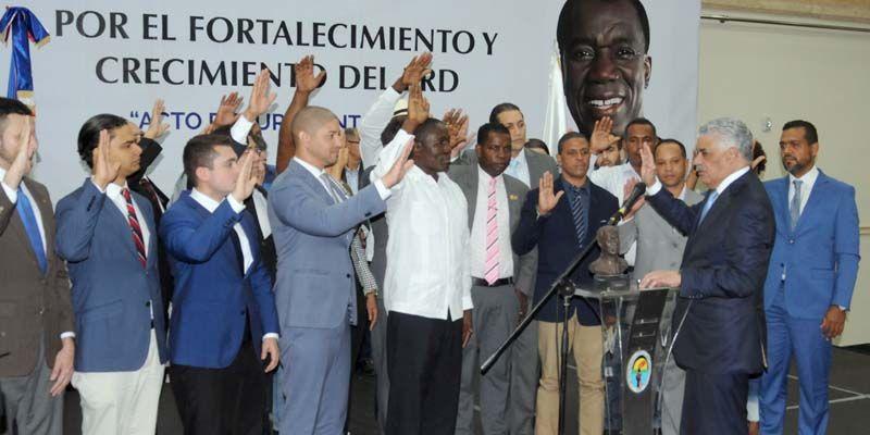 """Photo of Dice """"cientos"""" del PRM se fueron al PRD"""