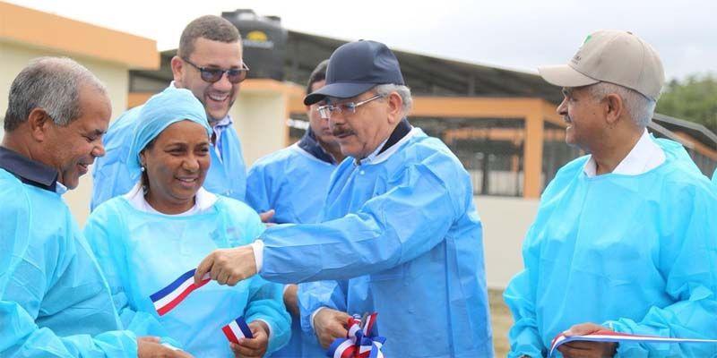 Photo of Visita Sorpresa 232: Danilo Medina supervisa avance proyecto de mujeres emprendedoras en Villa Altagracia