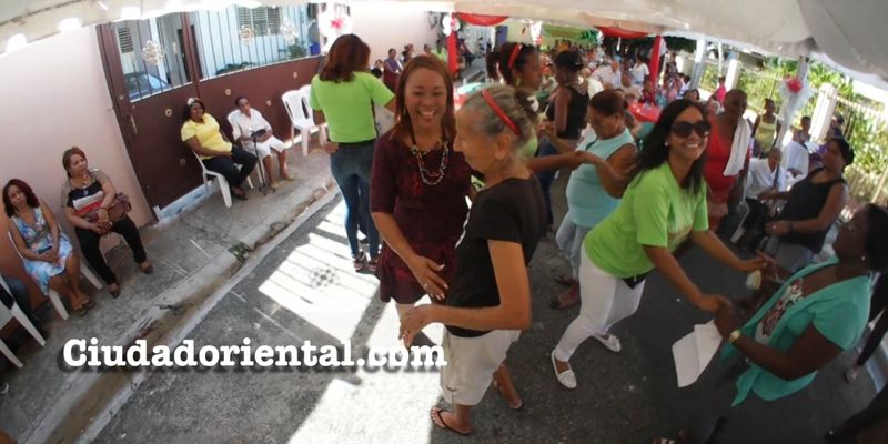 Photo of La regidora Edita Sandoval celebra fiesta-almuerzo a decenas de de adultos mayores + Vídeo