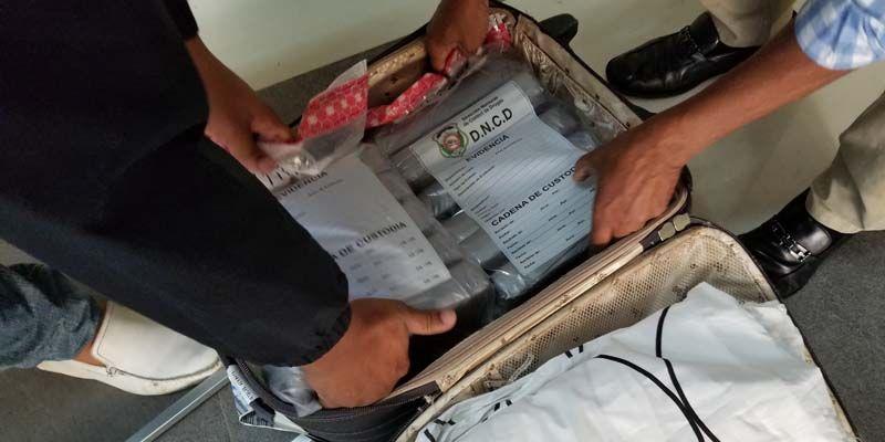 Photo of Un estadounidense arrestado en el AILA con más de 11 kilos de cocaína