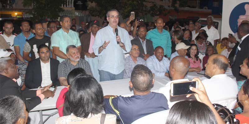 Photo of Abinader exhorta perremeístas a actuar como soldados de la democracia