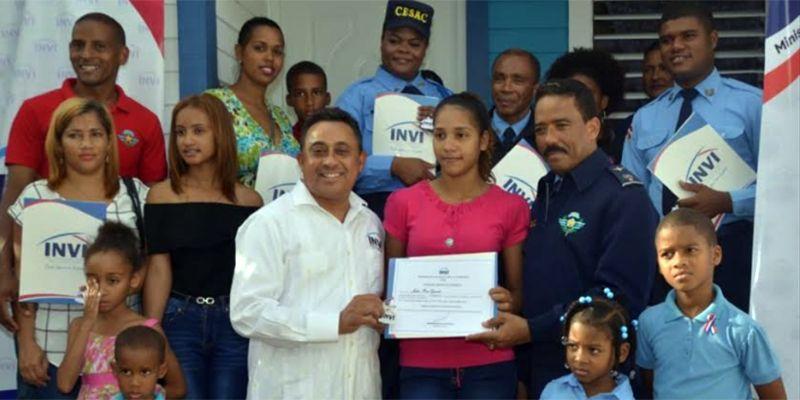 Photo of CESAC e INVI entregan viviendas prometidas a agentes
