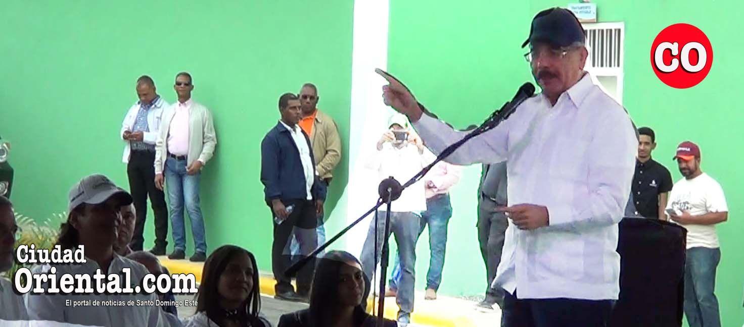 Photo of Danilo Medina sorprende con discurso de alcance nacional a productores de leche de Hato Mayor + Vídeo