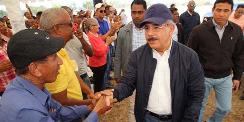 Photo of Danilo entrega en Cumayasa granja cerdos con tecnología última generación y apoya ganaderos en La Noria, La Romana