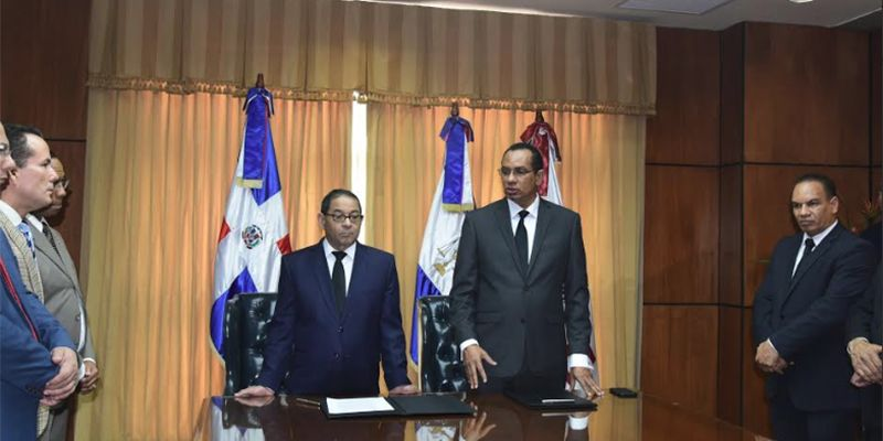 Photo of Poder Judicial y UFHEC firman acuerdo de cooperación interinstitucional