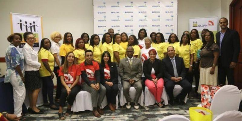 Photo of Gildan, BRA Dominicana y Fondo Canadá concluyen proyecto de empoderamiento comunitario