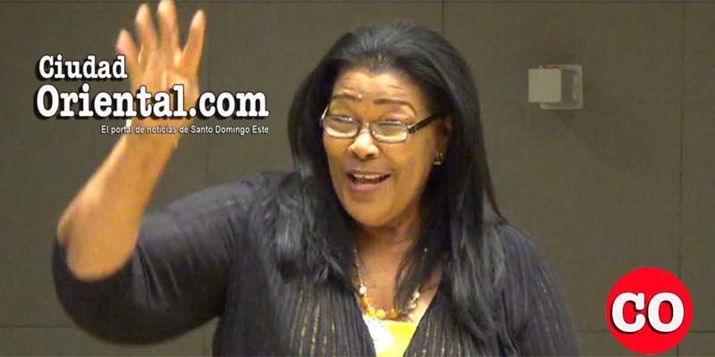 Photo of La regidora Ana Tejeda promueve abiertamente la reelección de El Cañero en el Concejo de Regidores