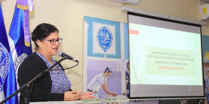 Photo of Señalan desigualdades y deudas pendientes con la mujer en la economía