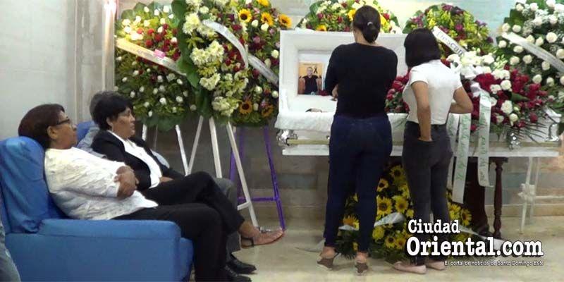 Photo of Sepultarán este lunes en el Cementerio Cristo Salvador cadáver de hijo de María Ysabel Mercedes