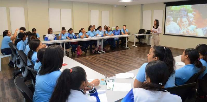 Photo of SeNaSa promueve la transparencia empoderando estudiantes sobre Seguridad Social