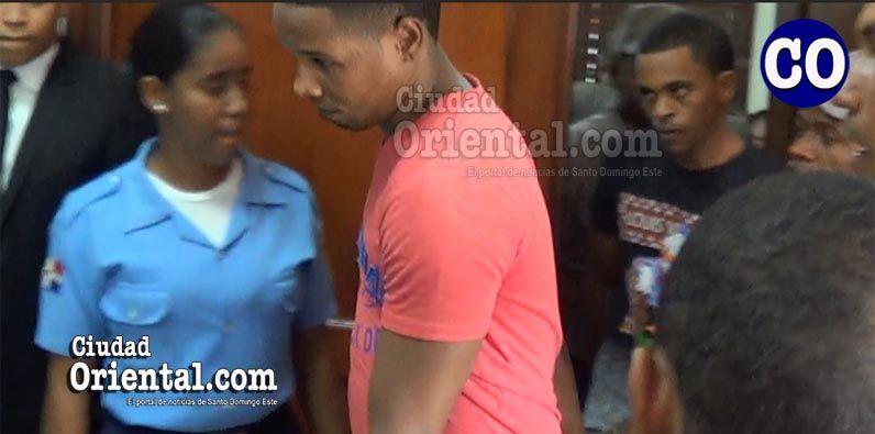 Photo of Sin precedente: Condenados a 40 años de prisión cada uno, dos hombres por asesinar un policía en Villa Duarte +Video