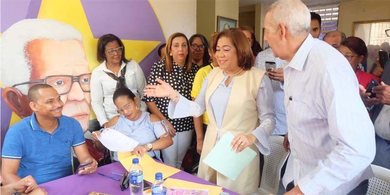 Photo of Jacinta Estévez inscribe precandidatura a Diputada por la circunscripción uno de SDE