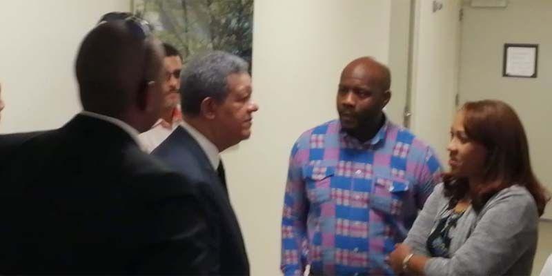 Photo of Leonel Fernández visita al regidor Alexánder Heredia en su lecho de CEDIMAT