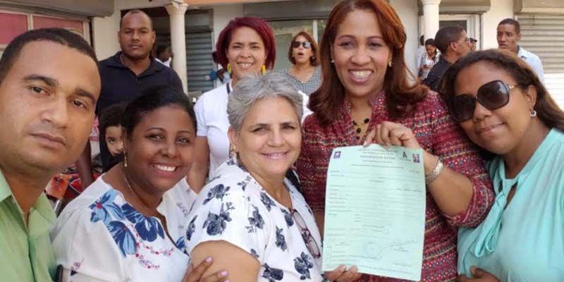 Photo of Sobeyda Sánchez inscribe recandidatura a Diputada por la circ. N° 3 de SDE
