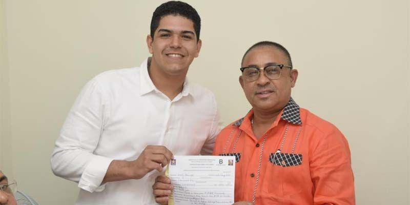 Photo of Haysel González inscribe precandidatura a Regidor por Santo Domingo Este