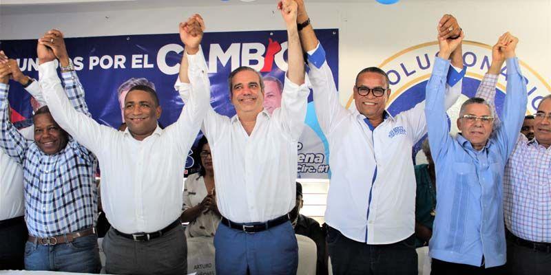 Photo of Arturo Quiñones y Gilberto Balbuena abandonan el H20 y pasan a apoyar a Luis Abinader