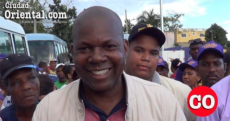 """Photo of Franklin Martínez sale a buscar votos """"hasta debajo de las piedras""""; dice Alfredo es """"el mejor alcalde que ha tenido SDE"""""""