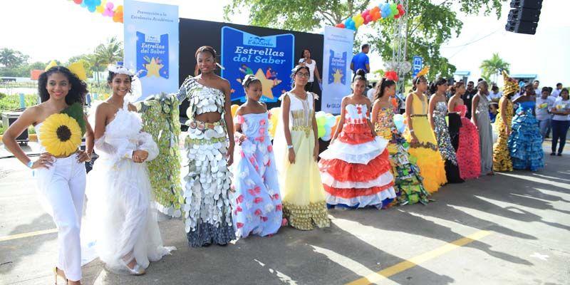 Photo of Gildan reconoce a 190 estudiantes y entrega más de 2,500 kits escolares en su evento Estrellas del Saber