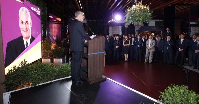 Photo of Gonzalo Castillo presenta proyecto político a los empresarios