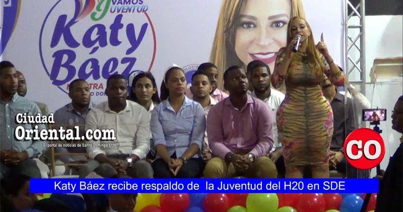 Photo of Katy Báez recibe respaldo de cientos de miembros de la Juventud del H20 + Vídeo