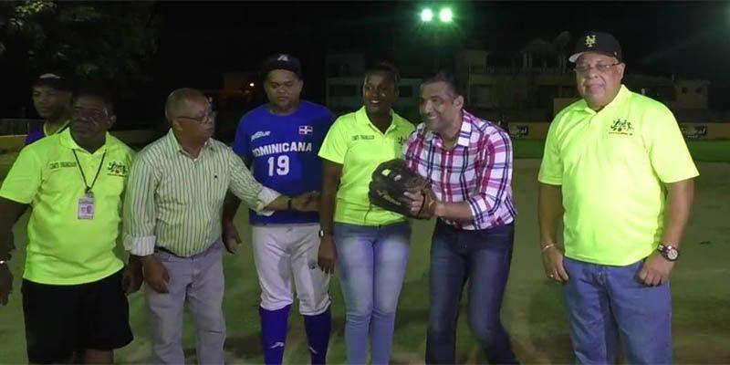 Photo of Este viernes gran final torneo softbol Juegos Los Mina 2019