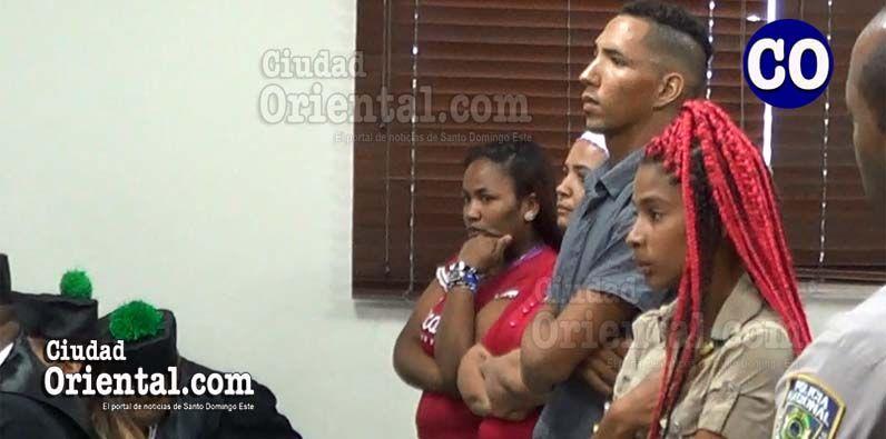 Photo of Ordenan libertad a tres de cuatro acusados sustraer y vender niña de siete días de nacida en Los Mina