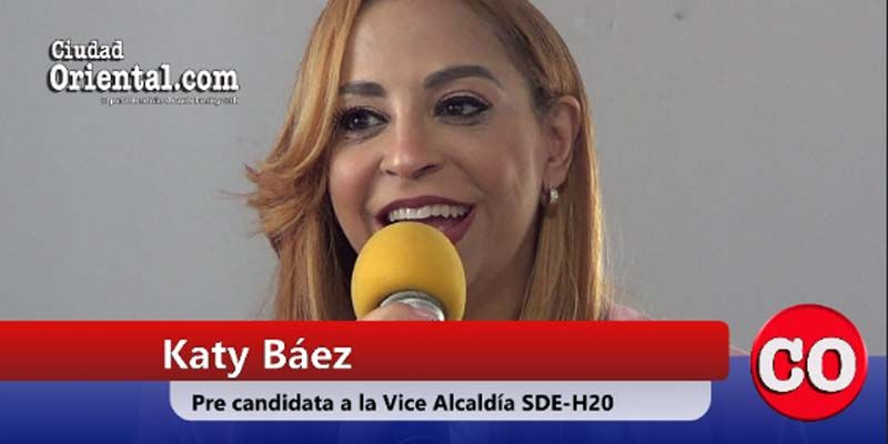 "Photo of Katy Báez ""cae rendida"" ante los ""encantos"" de Dío Astacio"