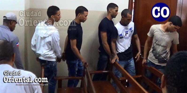 Photo of Condenas de 40, 30 y 10 años de cárcel cinco implicados asesinato cabo ARD durante atraco a un colmado