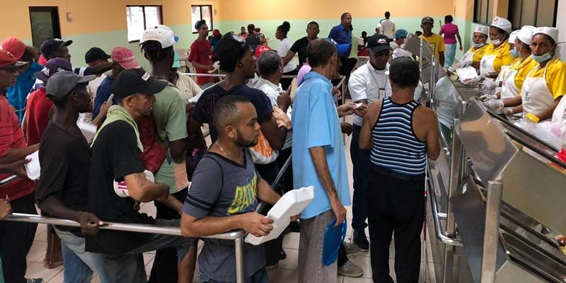 Photo of Gobierno reafirma compromiso con alimentación de la gente; miles reciben almuerzo gratis en Comedores Económicos