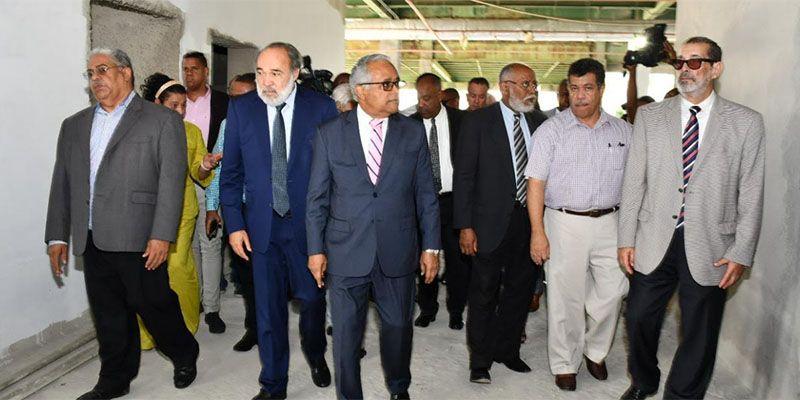 Photo of Gobierno retoma trabajo de construcción hospital SDN